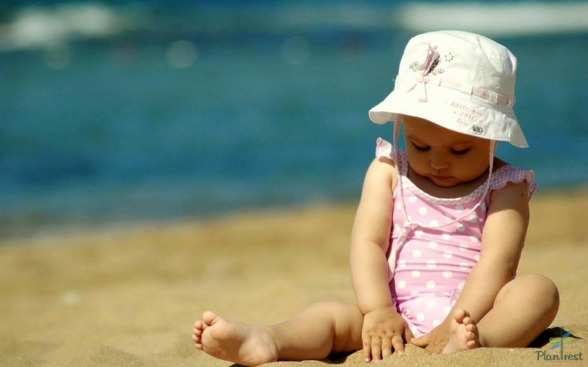 Куда поехать с ребенком на море: топ-10 лучших стран
